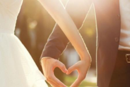 9 nejpodivnějších sňatků světa: Za manželku Eiffelovku i Berlínskou zeď