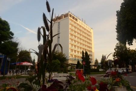 Hotel Magnólia - v březnu