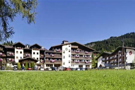 Lifthotel - Kirchberg - Kitzbühel / Mittersill v červnu