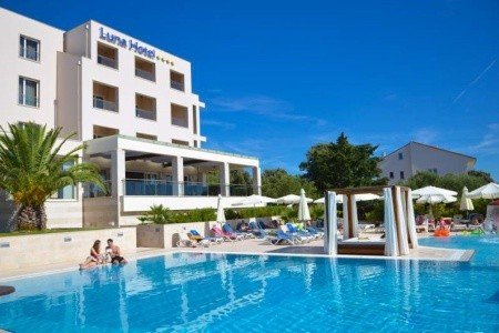 Hotel La Luna - first minute