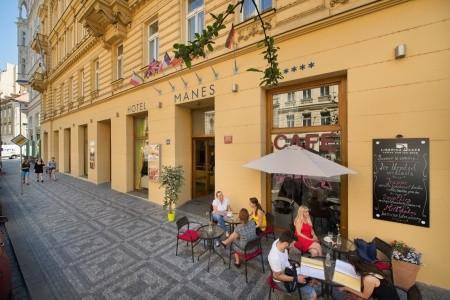 Hotel Mánes - v srpnu