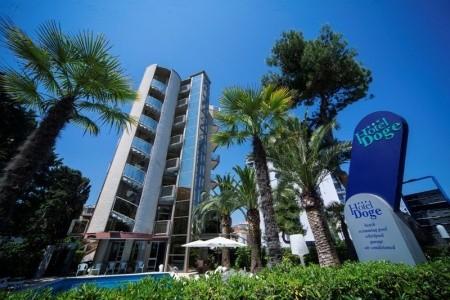 Alba Adriatica / Hotel Doge - Abruzzo  - Itálie