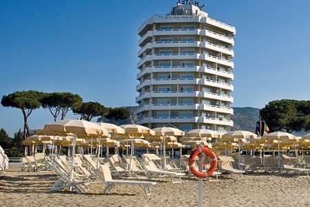 Hotel Torre Del Sole**** - Terracina
