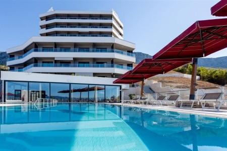 Hotel Plaža Duće - na pláži