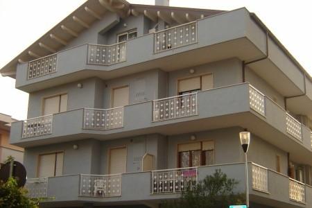 Residence Kara - Silvi Marina - Abruzzo v dubnu - Itálie