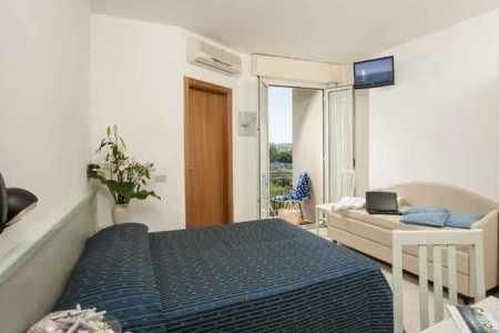 Hotel Leonardo** - Cattolica