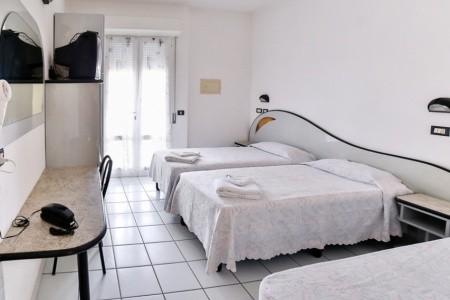 Hotel Rondinella*** - Cesenatico