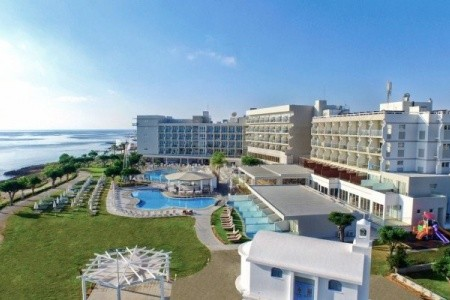 Pernera Beach, Kypr, Larnaca