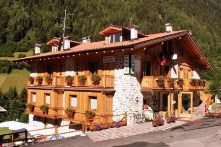 Hotel Chalet Genziana - Last Minute a dovolená