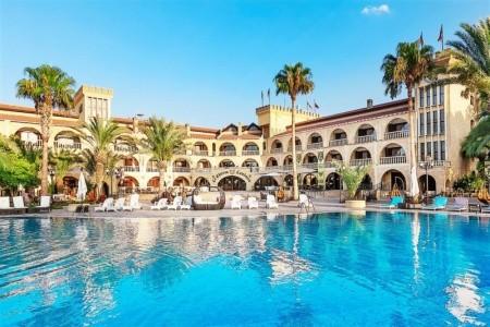 Hotel Le Chateau Lambousa - v srpnu