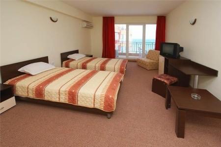 Relax Hotel Pomorie - hotel