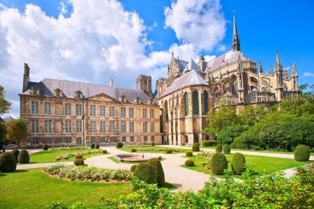 Paříž - Versailles,La Defence, Remeš - Hotel*/ - autobusem