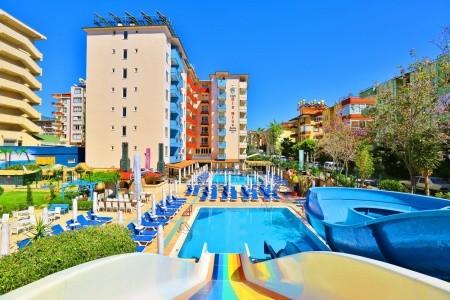 Club Big Blue Hotel