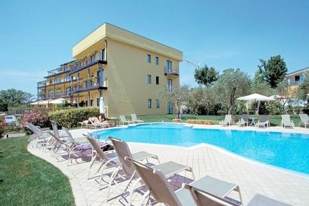 Hotel Riva Del Sole - snídaně