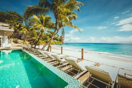 Carana Beach Hotel - v říjnu
