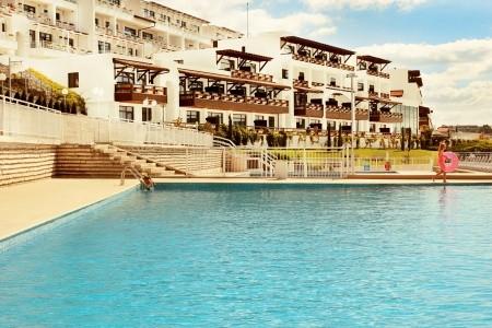 White Lagoon - hotel