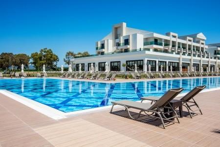 Korumar Ephesus Beach Resort & Spa