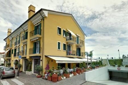Residence Al Mare Ponente - Caorle Ponente, Itálie, Veneto (Benátská riviéra)