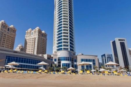 Hilton Doha Polopenze