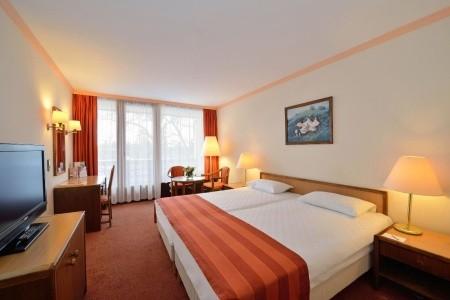Hotel Danubius Health Spa Resort Sárvár - v červenci