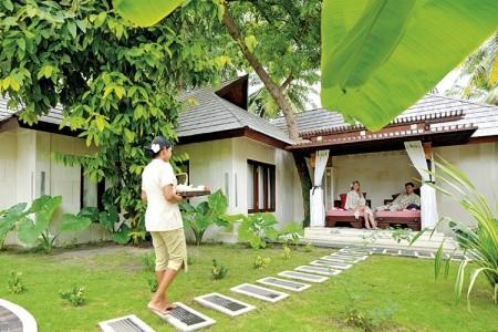 Hotel Holiday Island Resort & Spa, Maledivy,
