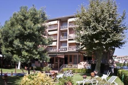 Hotel Gabrini *** - Marina Di Massa