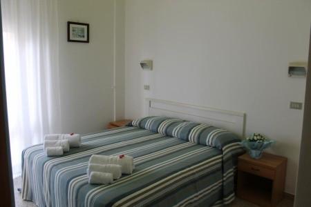 Hotel Gin ***