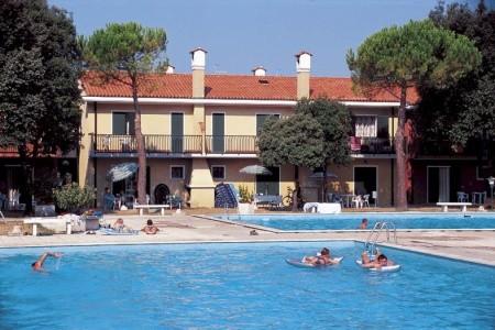 Michelangelo S Bazénem - hotel