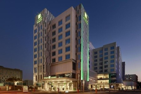 Holiday Inn Doha Plná penze