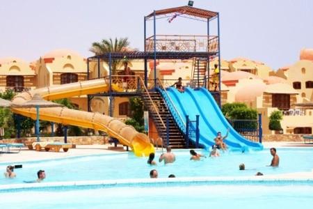 Bliss Abo Nawas Resort - v srpnu