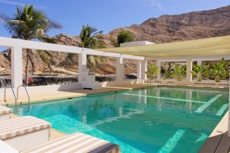 Muscat Hills Resort - v květnu