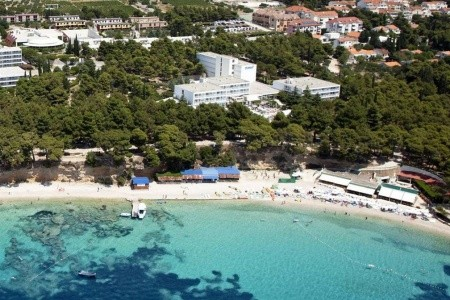 Okolí hotelu a pláž