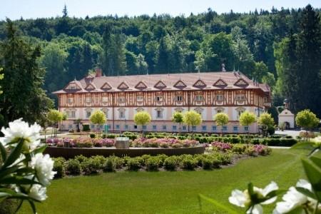 Luhačovice - Lázeňský Hotel Jurkovičův Dům - Ubytování Luhačovice 2021