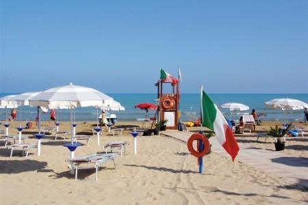 Stella Del Sud Camping Villaggio - v květnu