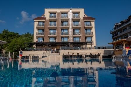 Hotel Veramar - v srpnu