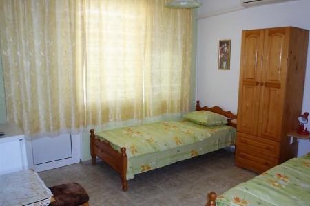 Černo More 2