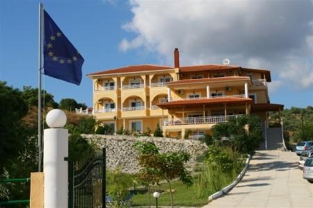 Hotel Grand Beach - v červnu