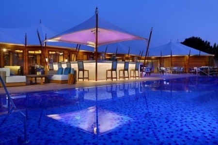 The Ritz Carlton Al Hamra - v prosinci