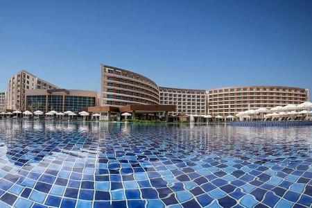 Elexus Hotel & Spa - v září