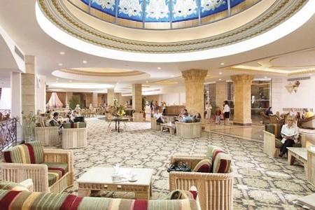 Egypt Hurghada Hotel Titanic Beach Spa & Aquapark 7 denní pobyt Ultra All inclusive Letecky Letiště: Praha září 2020 (27/09/20- 3/10/20)