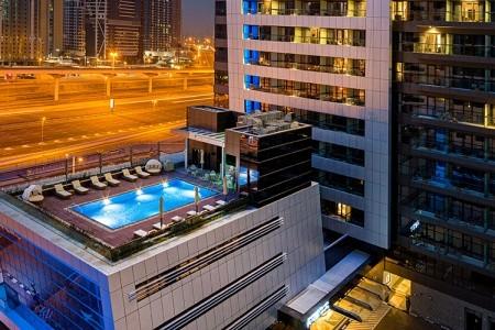 Hotel Millennium Place Marina - v červnu