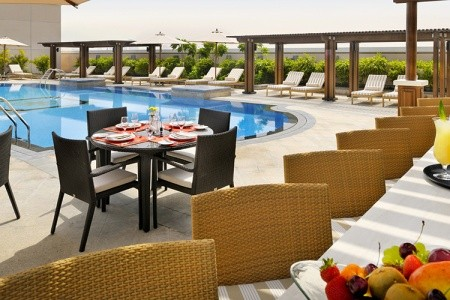Hotel Ramada By Wyndham Jumeirah - v červnu
