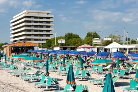 Hotel Cormoran S Bazénem, Itálie, Rimini