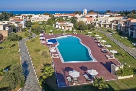 Pilot Beach Resort  Hotel