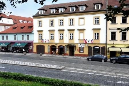 Hotel U Kříže: Rekreační Pobyt 2 Noci - Levné ubytování v Praze a okolí