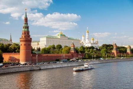 Moskva a Sankt Petěrburg - letecky v malé skupině  Snídaně