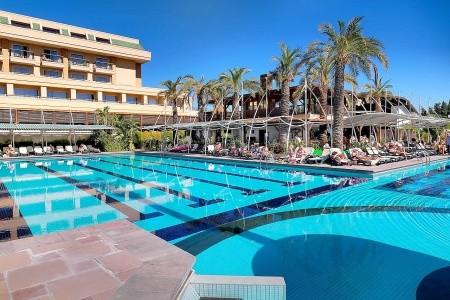 Crystal De Luxe Resort And Spa