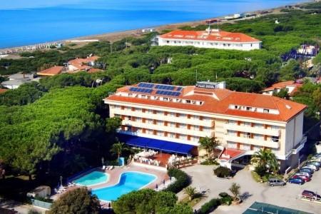 Park Hotel Baia Domizia Snídaně