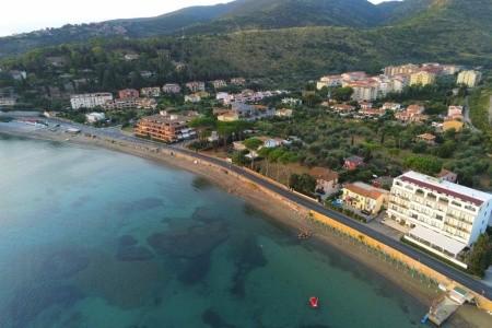 Hotel Baia D Argento - Snídaně