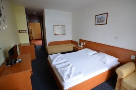 Hotel Zagreb - Pokoj S Výhledem Na Moře 50+ - Hb, Chorvatsko, Kvarner